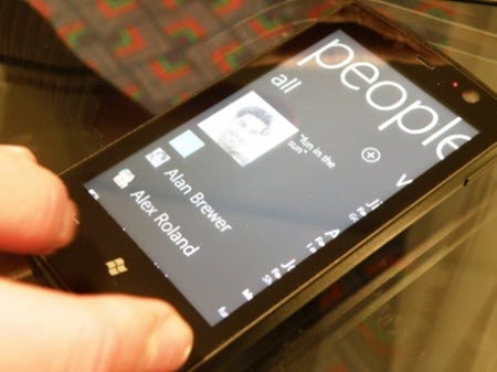2. Windows Phone 7 cep telefonları