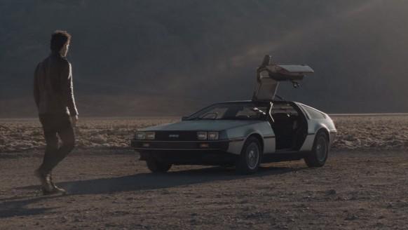 DeLorean'den müthiş video!