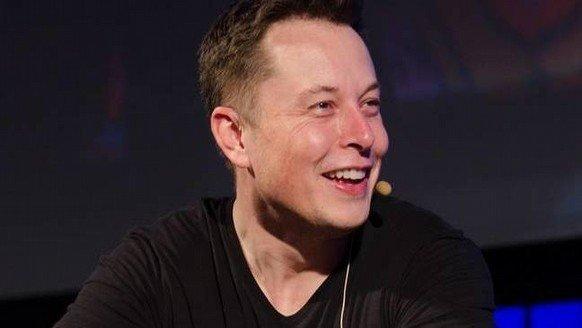 Elon Musk, katil robotlara karşı!
