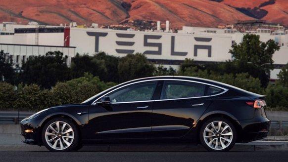 Tesla, Yeni Nesil Otonom Sürüş Çipi İçin Seçimini Yaptı!