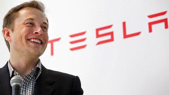 Tesla'nın yeni kamyonu ertelendi