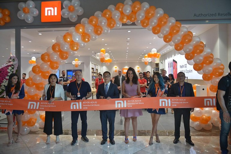 Mi Store'dan açılış gününde rekor!