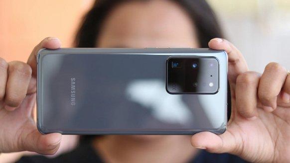"Galaxy S30, iPhone'u ""yakalayacak"""