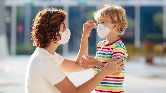"""En Yanlış ve En Tehlikeli İddia: """"Koronavirüs, Çocuklara Zarar Vermiyor"""""""