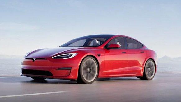 Elon Musk, 0'dan 100'e 2 Saniyede Çıkan Tesla Model S Plaid ile Şov Yaptı!