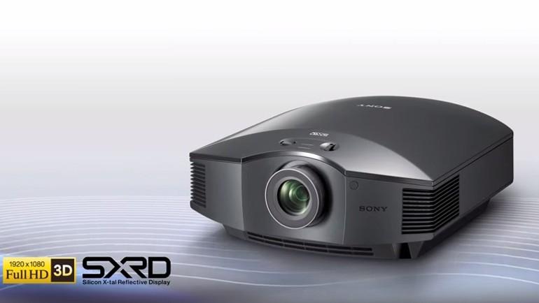 Sony'nin üst düzey projektörü testte!