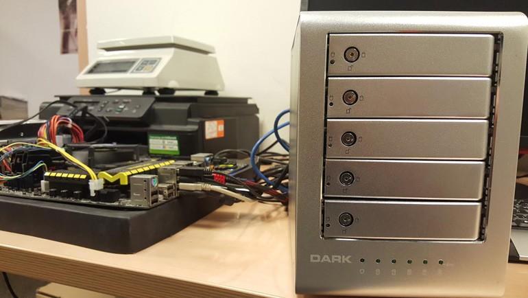Bu kutu 5 diski bir araya getiriyor