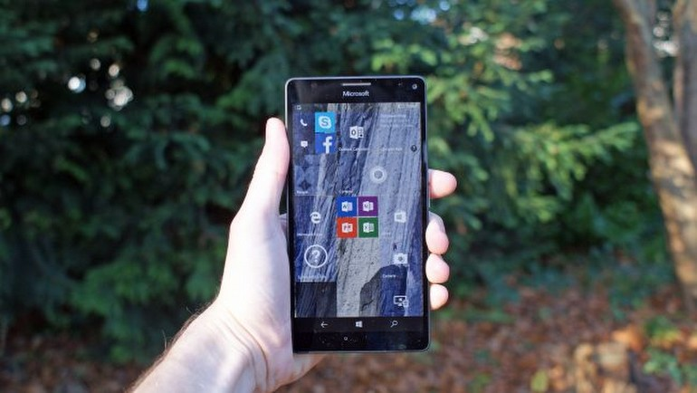 Microsoft'un göz tarayıcılı telefonu testte