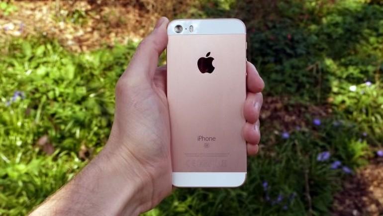 iPhone SE'yi inceliyoruz