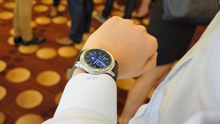 ÖN İNCELEME: Samsung Gear S3'ü denedik!