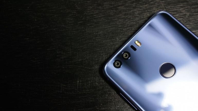 Çin'den Gelen Çift Kameralı Telefonlar!