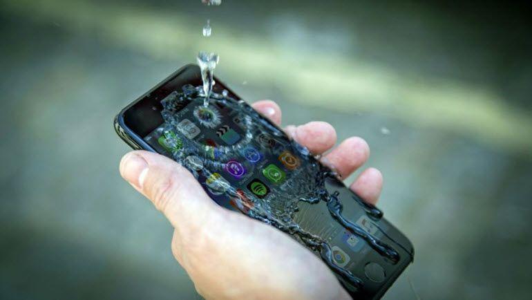 2017'nin En İyi Su Geçirmez Telefonları!