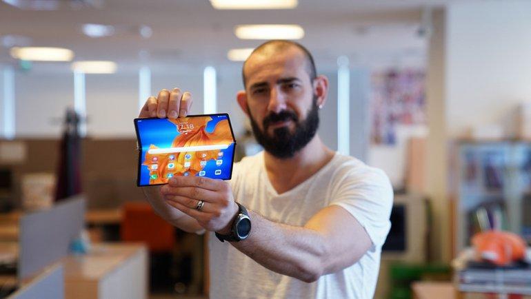 29.999 TL Fiyatıyla Dudak Büken Katlanabilir Telefon Mate Xs İncelemesi