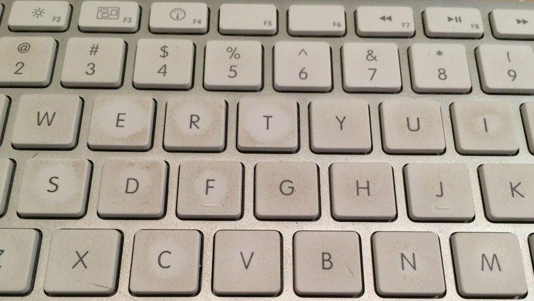 Klavye nasıl temizlenir: Adım adım klavye temizliği