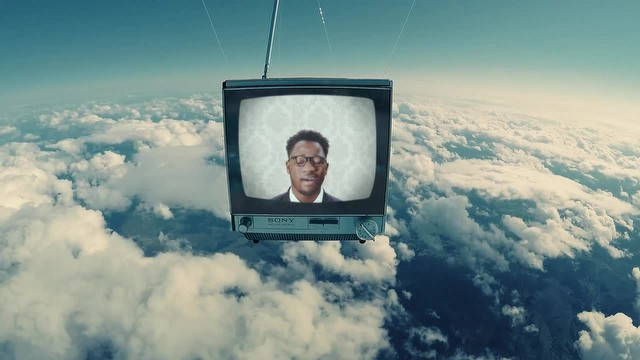 Bu klip için uzaya TV gönderdiler!