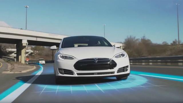 Tesla'nın Autopilot işlevi videoda!