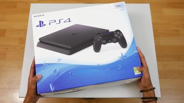 "PlayStation 4 ""Slim"" internette göründü!"