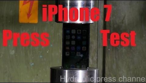 iPhone 7'ye hidrolik pres işkencesi!