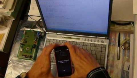 iPhone'u 100 dolarlık sistemiyle kırdı!