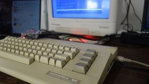 Commodore 64 İçin Slack İstemcisi Geliştirdi!