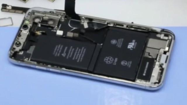 Eline Geçen iPhone X'i Parçalarına Ayırdı!