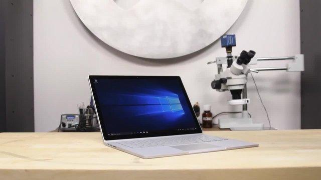 """Surface Book 2'ye kocaman bir """"1"""""""
