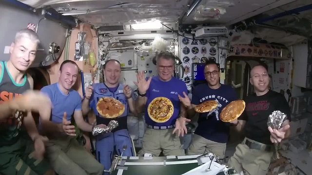 Uzayda Pizza Yaptılar!
