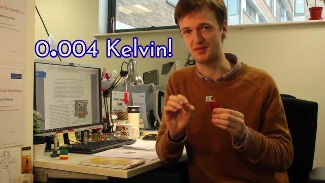 Bilim İnsanları LEGO'yu -273 Derecede Dondurdu!